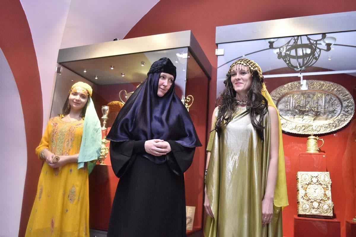 https://goldenukr.com.ua/ffiles/afisha/2018_museum%20day/2018_museum%20day_00.jpg